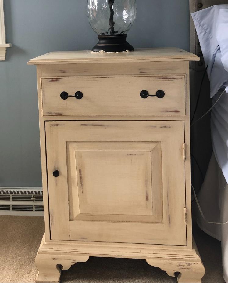 Finished bedside table